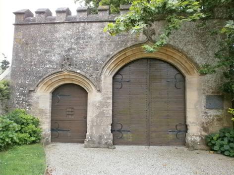 Yvetot-Bocage_-_Château_de_Servigny,_por