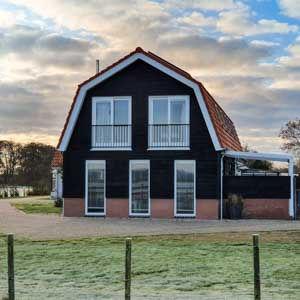 Een nieuw maar karakteristiek Texels ecohuis. Een gezellige plek om na een lange strandwandeling uit te rusten en te genieten van het uitzicht.