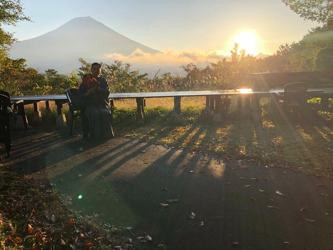 富士のほとりで芸術と自然を愛でて