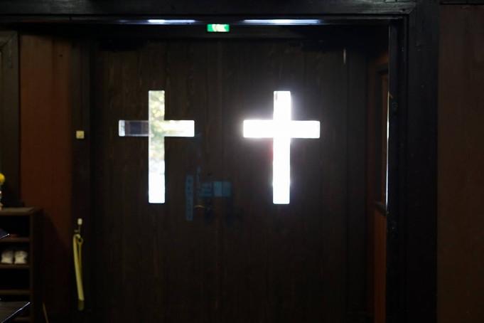 門を叩きなさい。そうすれば、開かれる。(ルカによる福音書 11章9節)