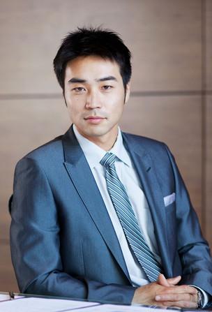 Jeune homme asiatique