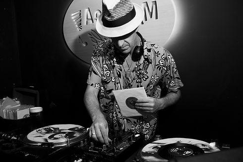 DJ TURMIX _ IBIZA 2 PHOTO BY ALVARO ROJO_edited.jpg