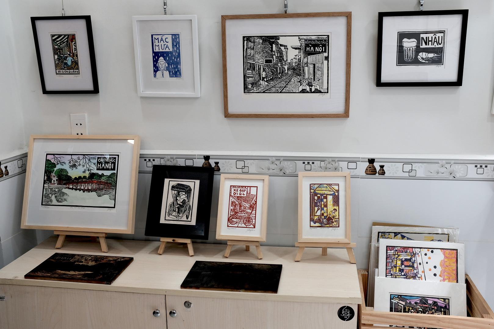Print shelf with blocks