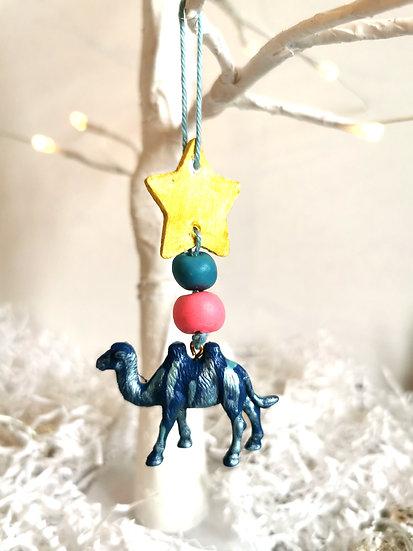 Rewild camel bauble blue/pink