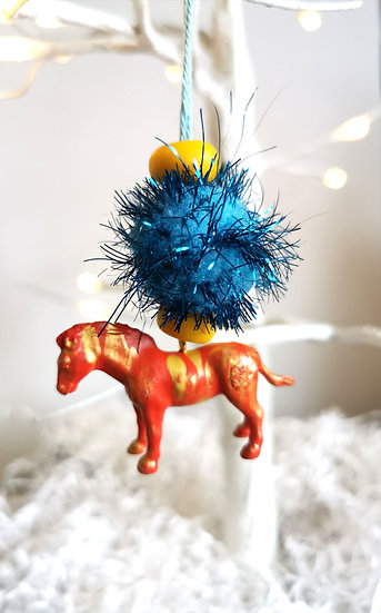Rewild horse bauble red/yellow/blue