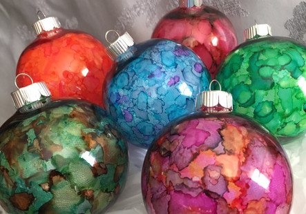 Ornaments and jewelry and snowflakes....Oh, My!