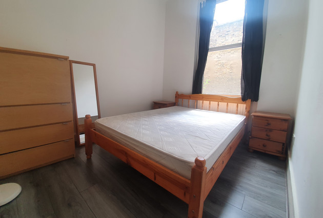 bedroom-main-photo-jpg