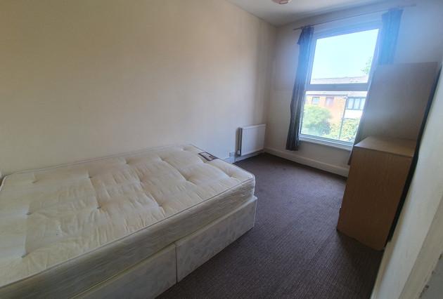 bedroom-3-main-photo-.jpg