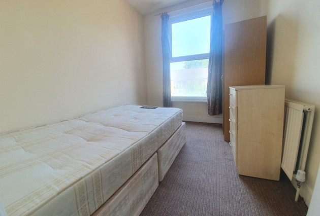 bedroom-4-main-photo-.jpg