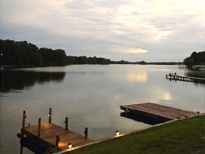 lake%20docks_edited.jpg