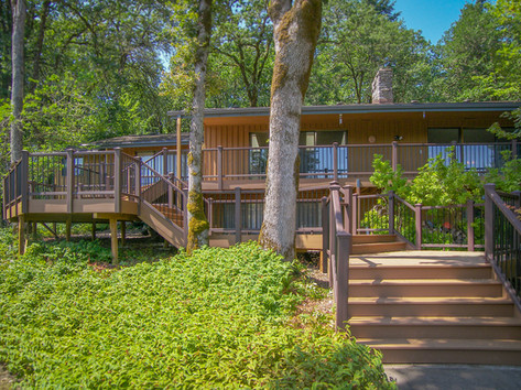 Multi-Level Trex Deck with Stairs