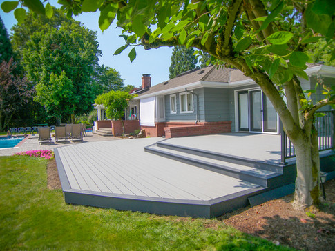 Trex Select Deck with Reveal Handrail
