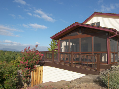 TimberTech Deck with Screened in Outdoor Dining Room