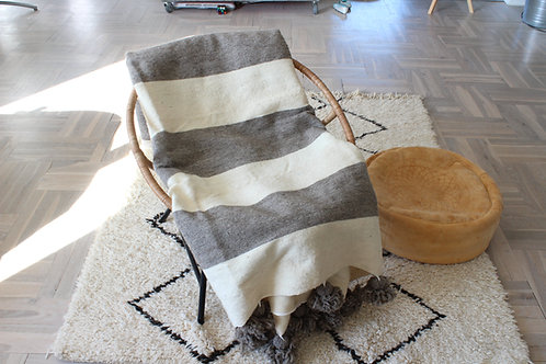 Tæppe 200x280 cm. 100% uld