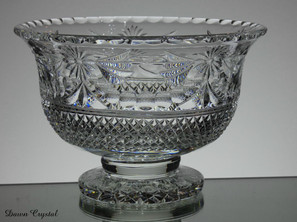 Footed Bowl  Beaconsfield  Size 13 x 19.5 cm  £150.00 Unique