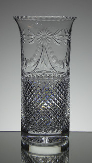 englis hand made full lead crystal vase size 10 x 5 inches call for information