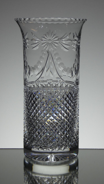 englis hand made full lead crystal vase size 10 x 5 inches £150.00