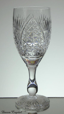 english hand made full lead crystal wine glass hand cut church window pattern size 7.5 x 2.5 inches £25.00