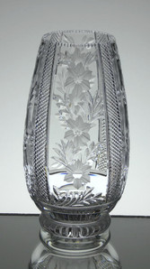 English hand made full lead crystal small vase gabd cut and engraved size 7 x 3.6 inches SOLD