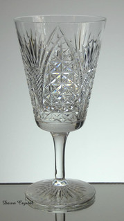 english hand made full lead crystal wine glass hand cut in church window pattern 7 x 3.5 inches £30.00