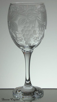 non lead wine glass hand engraved in grape and vine patten size 7.5 x 3 inches £12.50
