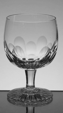 24% lead crystal brandy glass hand cut size 4.5 x 3 inches £18.00 each ( 6 only )