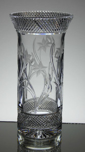 English Hand Made Full Lead Crystal Vase Hand Cut & Engraved By Reg Everton & Stewart Davis Size 9.5 x 5 Inches £95.00 Unique