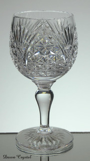 english hand made full lead crystal port glass hand cut in church window pattern size 6 x 3 inches £25.00
