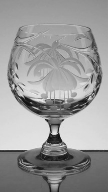English hand made full lead crystal brandy glasse hand  engraved in fuchisa pattern size 5 x 3 inches  £25.00 each ( 4 Only )
