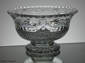 Footed Bowl Beaconsfield  Size 13 x 21.5 cm £150.00 Unique