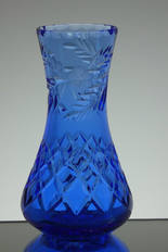 solid blue crystal vase hand cut and engraved size 7 x 4 inches £45.00