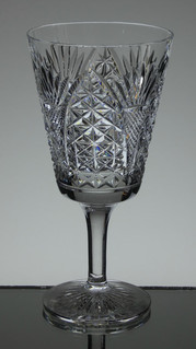 english hand made full lead crystal wine glass hand cut church window pattern size 6.5 x 3.3 inches £25.00