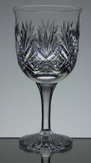 english hand made full lead crystal wine / gin glass hand cut in tracy pattern size 7.5 x 3.5 inches £25.00 each