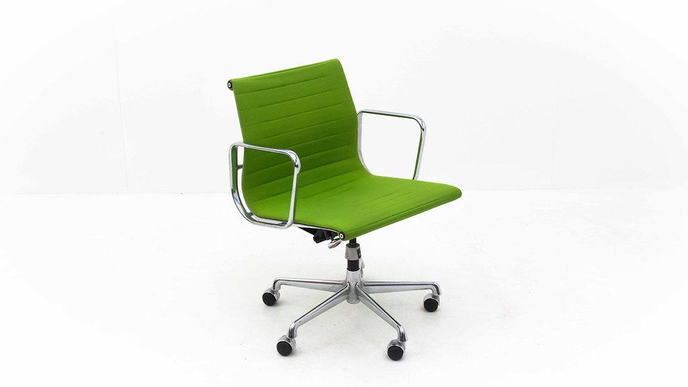 Vitra EA 117 Bürostuhl von Charles & Ray Eames