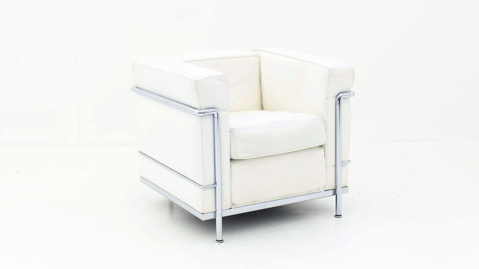Le Corbusier LC2 Sessel von Cassina in Weiss