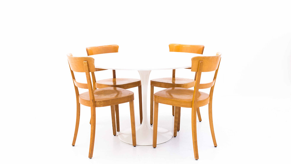 Eero Saarinen Tulip Table von Knoll International, 120 cm