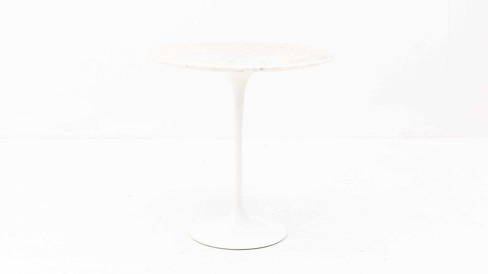 Eero Saarinen Tulip Beistelltisch Marmor von Knoll International