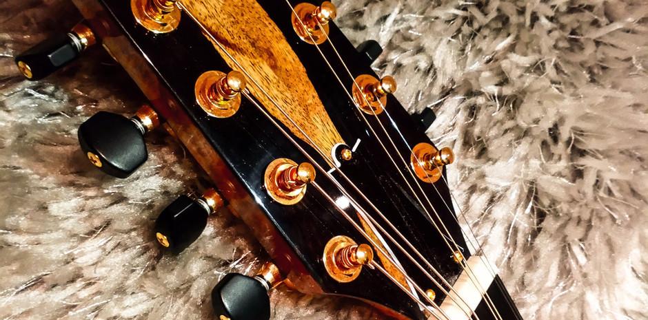 Handmade Pau Ferro Octave Mandolin