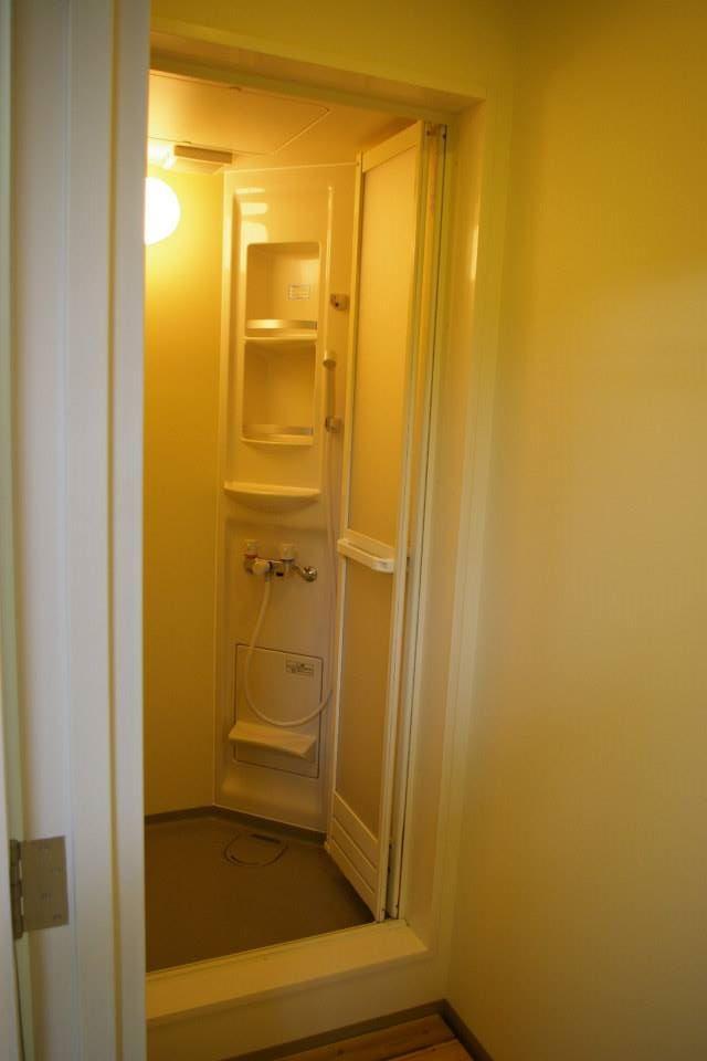 小さめのシャワールーム