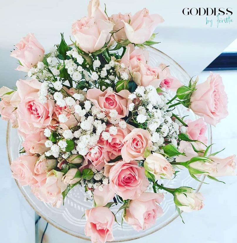 Flower arrangement by Goddess by Feritta