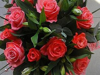 Коралловые розы! Заказать, купить цветы и букеты с доставкой в Адлере, Сочи. Недорого