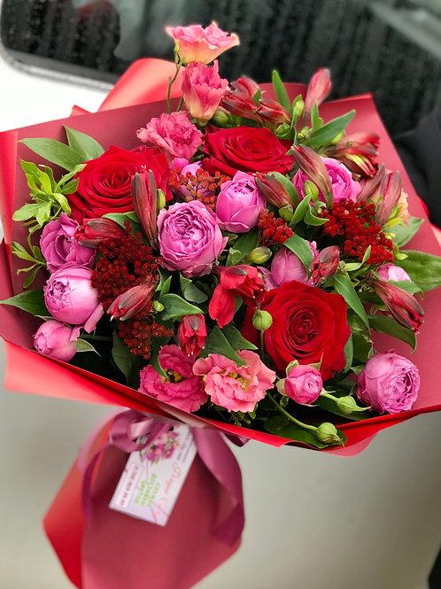 Пионовидные розы букет