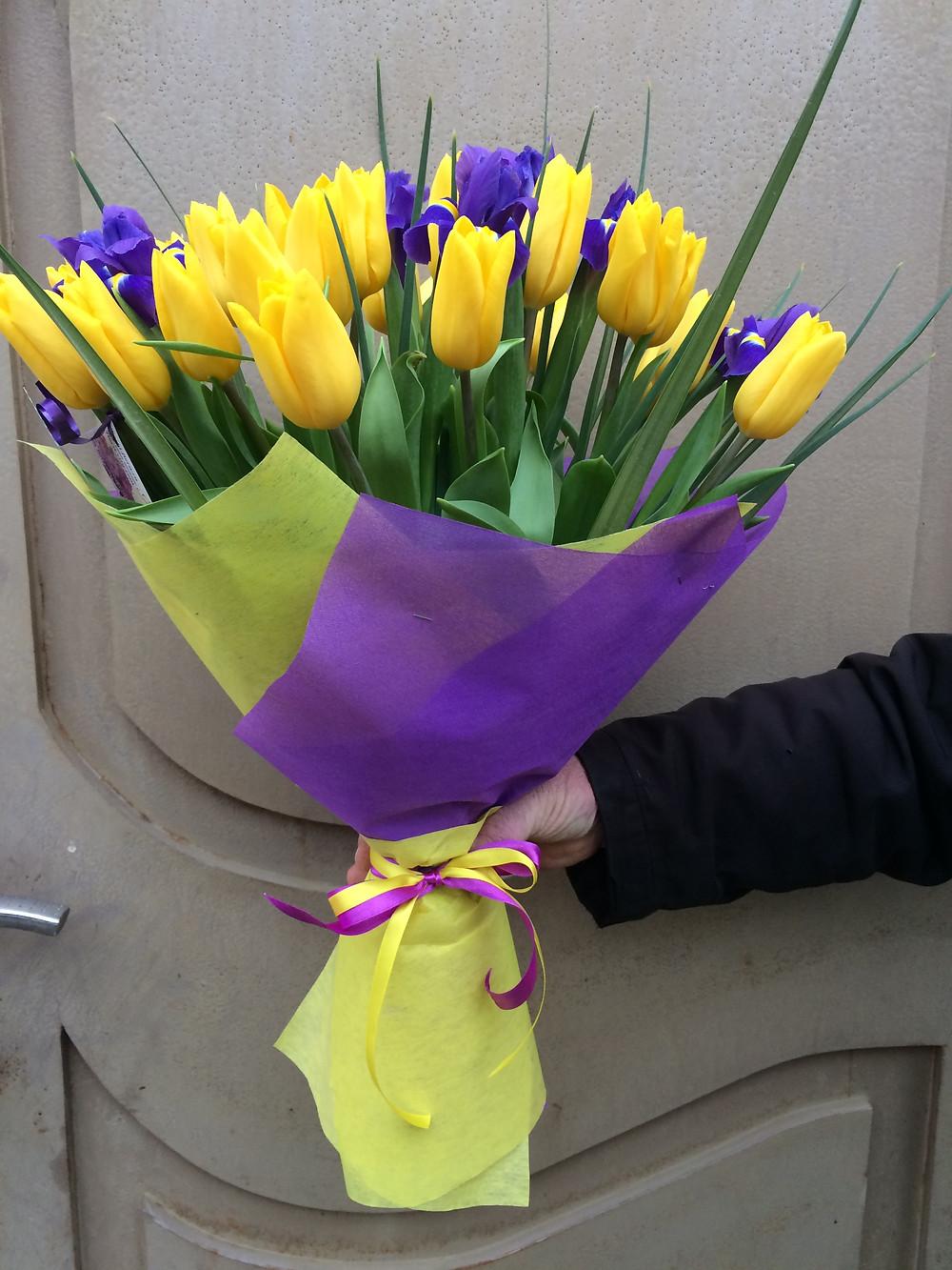 Купить цветы и букеты с доставкой в Адлере.
