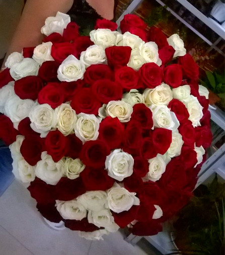 101 роза купить цветы и букеты с доставкой в Адлере