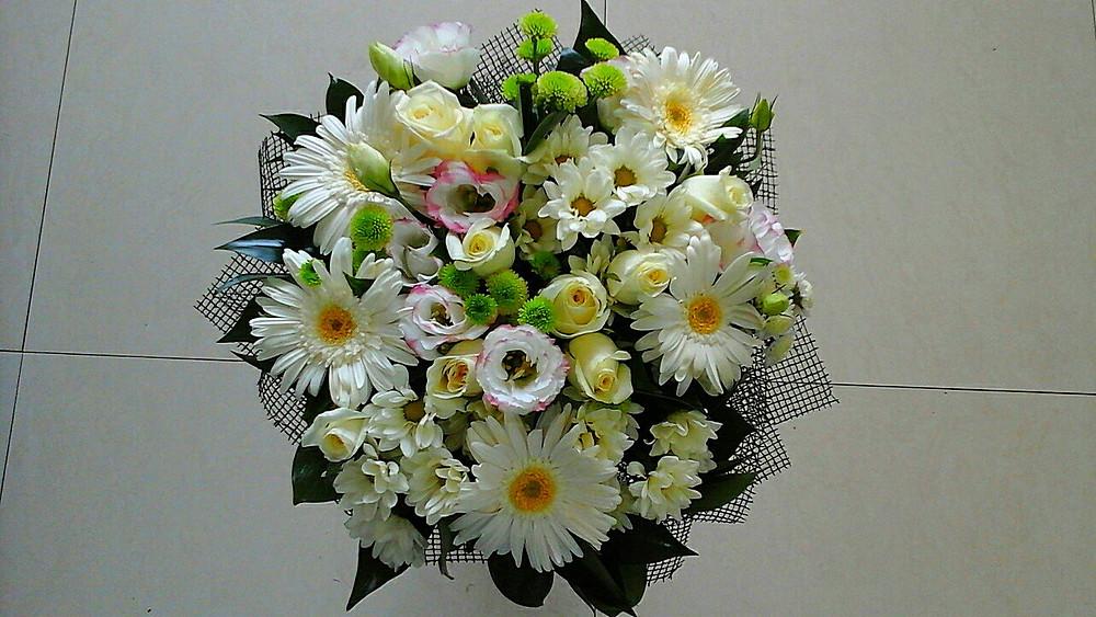 Заказать, купить цветы и букеты с доставкой в Адлере, Сочи. Недорого
