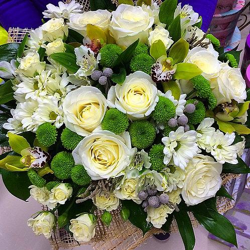 купить цветы и букеты с доставкой в Адлере
