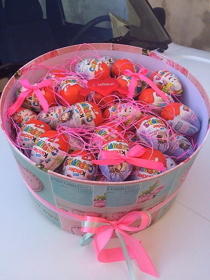 Большая коробка сладостей