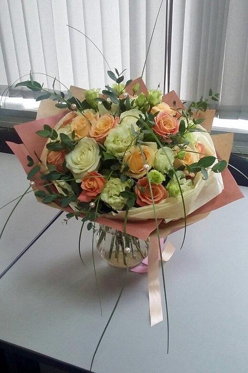Цветы на День матери доставка
