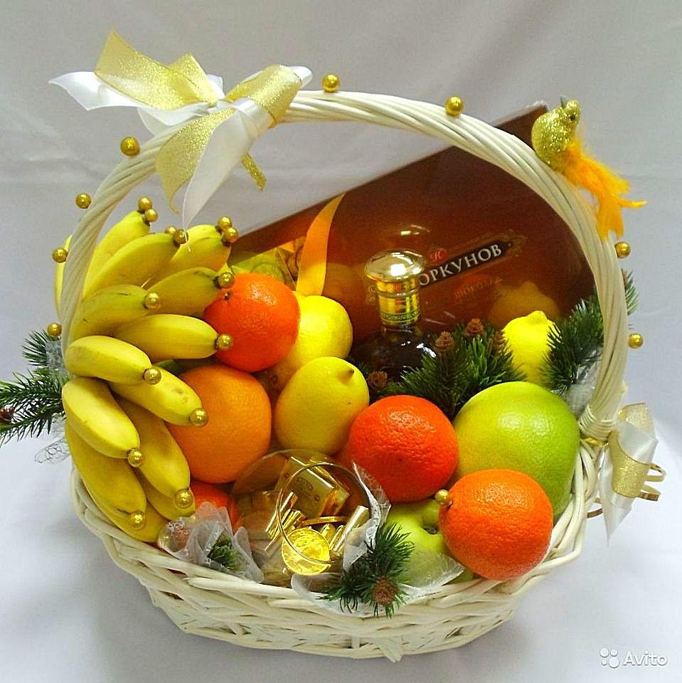Фруктовая корзина. Купить цветы и букеты с доставкой в Адлере.