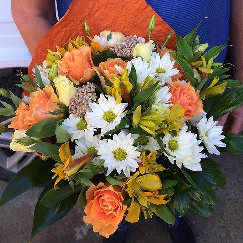 Купить цветы в адлере рынок 8 марта цветы адуванчики ни па дарагим цэнам